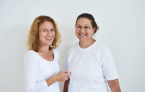Frau Dr. Löw und Frau Dr. Wintner lächelnd
